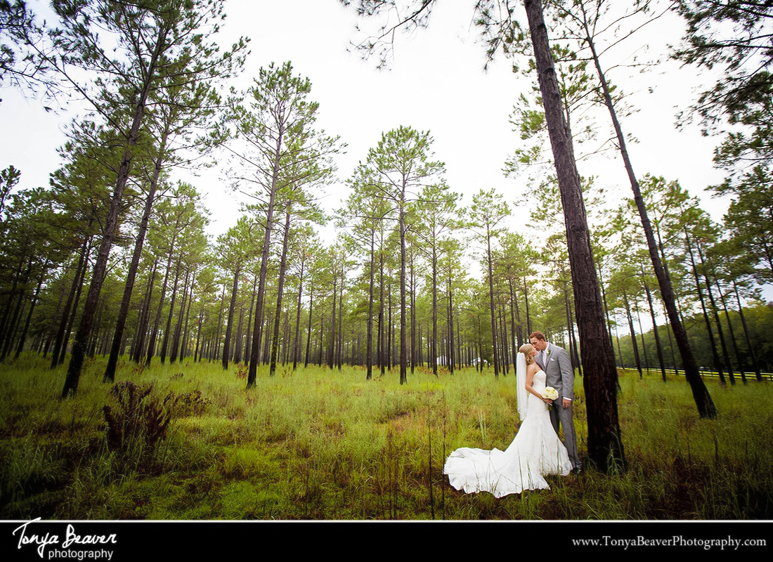 Lisa and brad 39 s wedding day at honeylake plantation in for Honey lake plantation