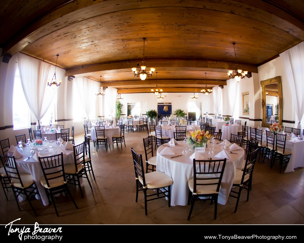 Jessie And Kevin S Wedding Sneaks Jacksonville Beach Florida Casa Marina Photography By Tonya Beaver