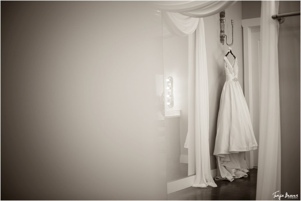 tonya beaver photography; jacksonville wedding photographer; jacksonville beach wedding photographer; bowing oaks wedding; southern wedding;_0002